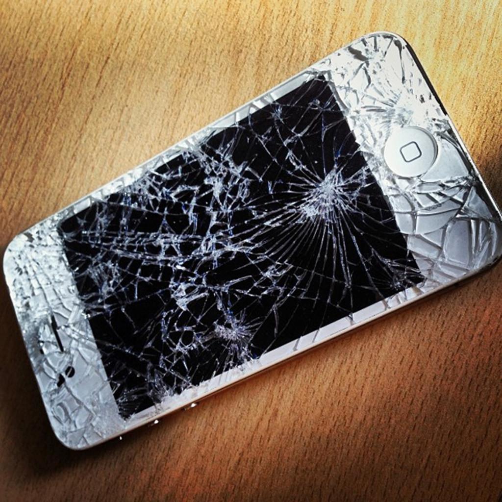 zničený telefeon