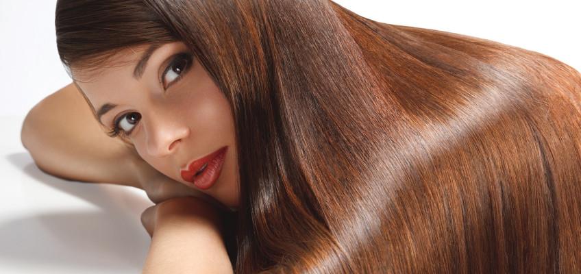 Jak chránit v létě vlasy před vysušením?