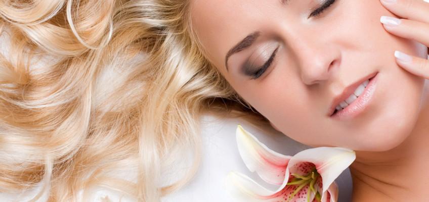 Jak správně pečovat o vlasy v extrémních podmínkách