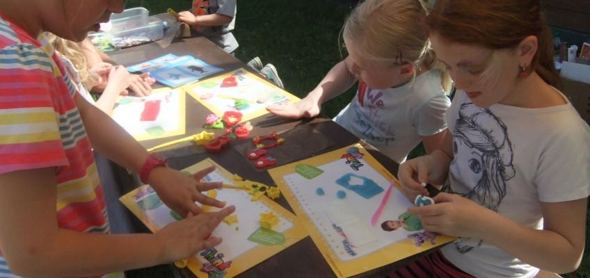 Modelovací hmoty rozvíjejí dětskou motoriku a podporují fantazii