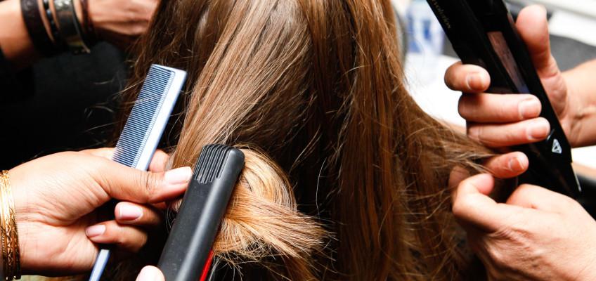Co pomáhá vlasům zničeným po létě?