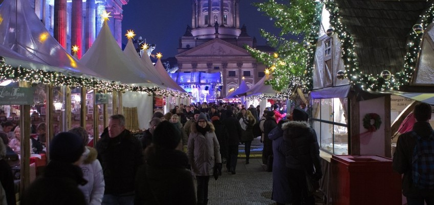 Vyrážíte na vánoční trhy do zahraničí? Nezapomeňte se pojistit.
