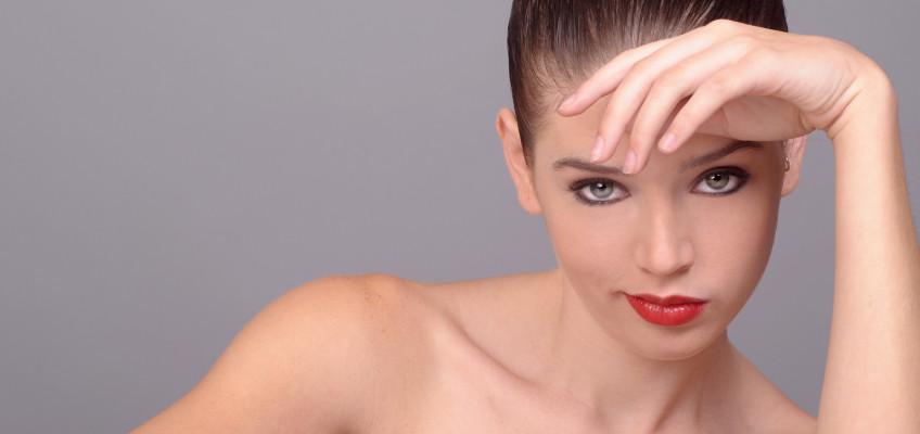 Jak na vlasy poškozené chemickým barvením