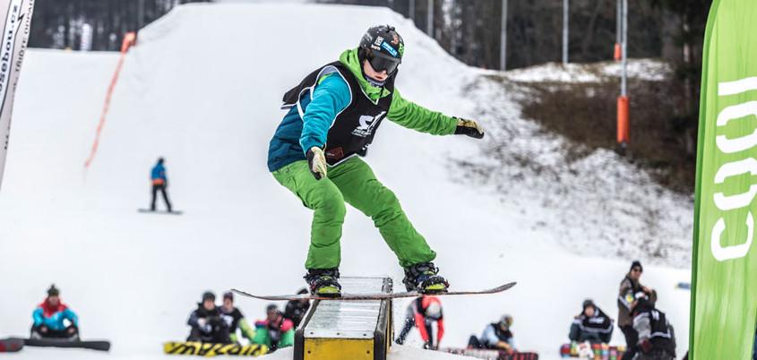 Na šumavském Špičáku v sobotu vyvrcholí šestidílná tour snowboardových happeningů Just Ride!