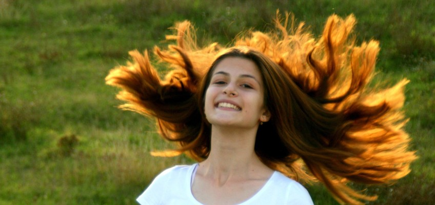 Vlasy po zimě volají SOS, dopřejte jim jarní vzpruhu