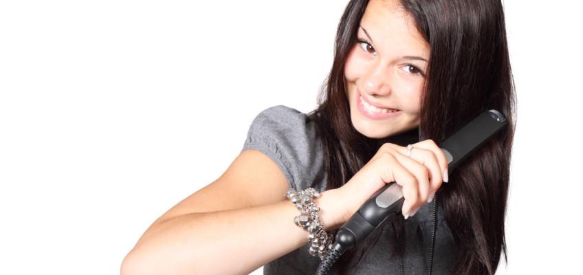 Správná péče o vlasy pomáhá předcházet jejich nadměrnému vypadávání