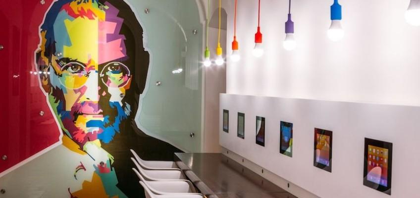 Fanoušci výrobků Apple našli svůj ráj, stala se jím Praha.