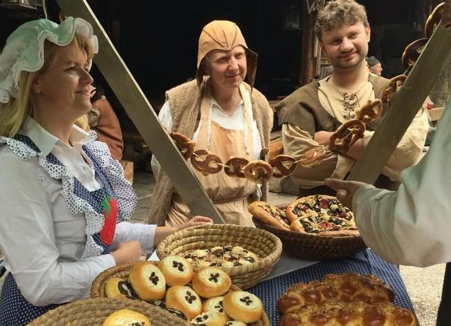 Udělejte si výlet do doby dávno minulé a nechte se pohostit ve středověkém stylu