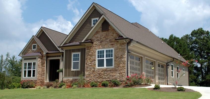 Kupujete nemovitost? Dbejte na důkladné ošetření smluvních podmínek