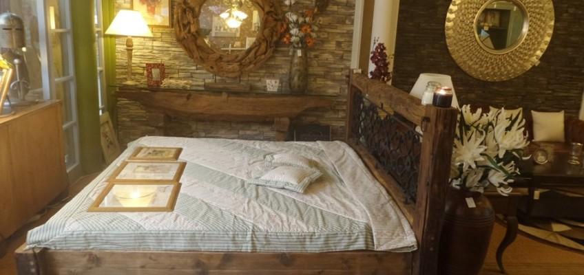 Oživte interiér charismatickým nábytkem z letitých trámů