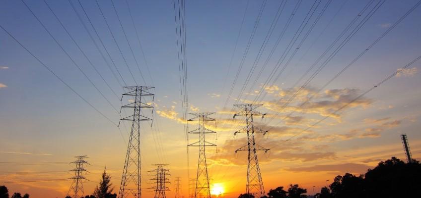 Stále více Čechů řeší nespokojenost s účtem za elektřinu změnou dodavatele