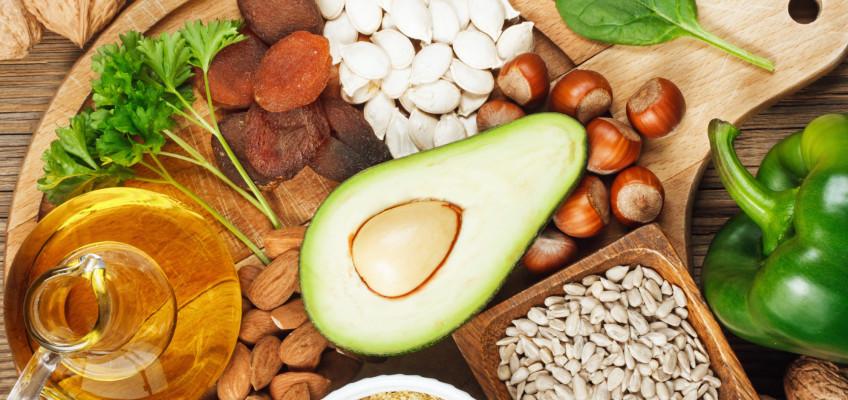 Vitaminem D proti Parkinsonově chorobě, vitamin E pomůže s PMS a vitamin K podpoří správnou srážlivost krve. Jaké jsou jejich další účinky?