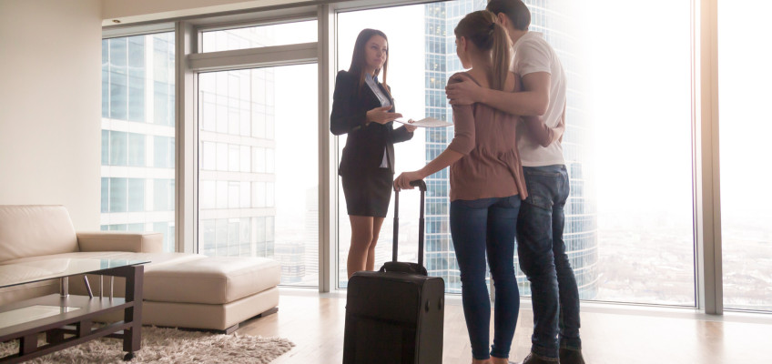 Službu garantovaného nájmu volí čím dál více majitelů nemovitostí. Jaké jsou její hlavní klady a vyplatí se vůbec?