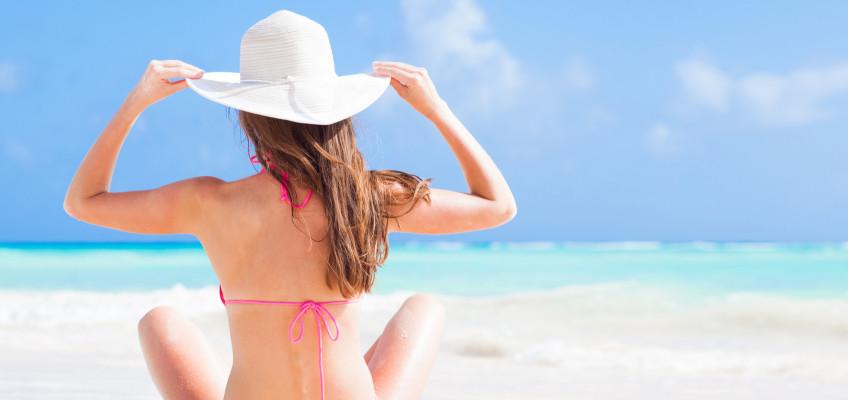 Úporná vedra páchají škody i na našich vlasech. Chraňte je před spalujícím horkem
