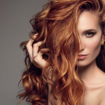 Jarní restart pro vaše vlasy. Potřebnou dávku života jim dodají minerály z Mrtvého moře