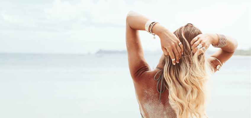 Připravte svou kštici na sílící intenzitu slunečních paprsků a vyzbrojte se vhodnou vlasovou péčí