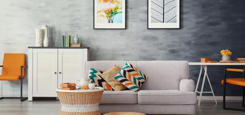 Výběr barev dokáže ovlivnit i to, jak se doma cítíme. Vezměte si na pomoc interiérového designéra