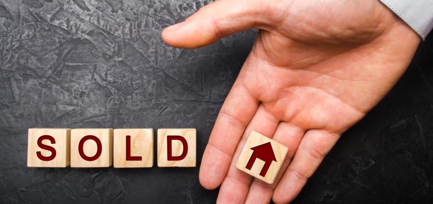 Nepodceňujte znalosti realitních makléřů, při prodeji nemovitosti vám pomohou zajistit maximální zisk s minimálním úsilím