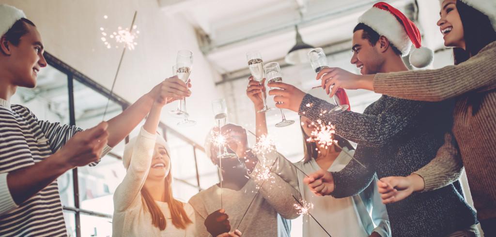 Dostali jste za úkol zorganizovat vánoční večírek. Nezoufejte, zajímavé možnosti ještě jsou Creative Commons (shutterstock.com)