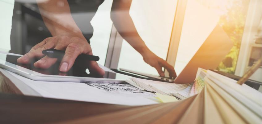 Interiérový designér nejsou vyhozené peníze. Jak pracuje a s čím vám může pomoci?