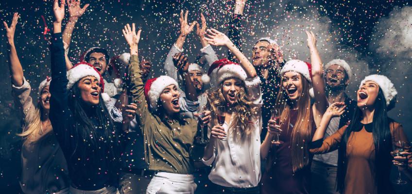 Vánoční večírek je nejen zábava, ale také skvělá příležitost, jak poznat svůj tým