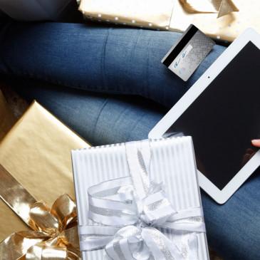 Vyhněte se vánočnímu šílenství a nakupte všechny dárky z pohodlí domova