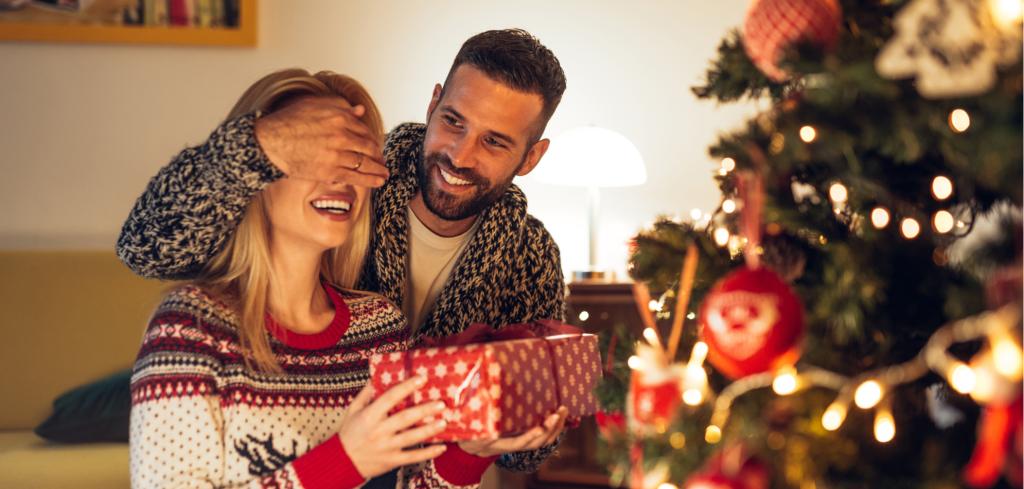Obdarujte své blízké dárkem, který jim vykouzlí úsměv na tváři Creative Commons (shutterstock.com)
