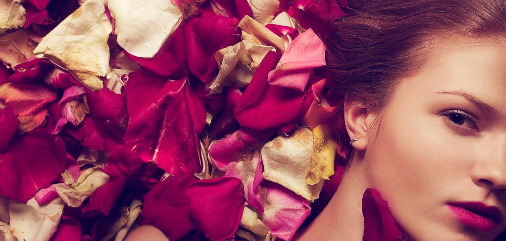 Svátek zamilovaných se nebezpečně blíží, potěšte svou drahou polovičku pečující kosmetikou Creative Commons (shutterstock.com)