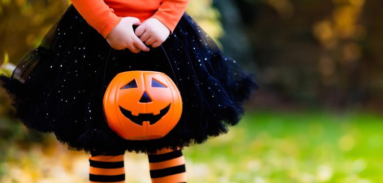 Blíží se Halloween. Tip, jak si doma s dětmi vyrobit strašidelné dekorace