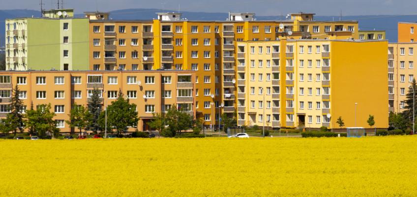 Ceny nemovitostí, práce nebo občanská vybavenost. Co je pro Čechy nejdůležitější?