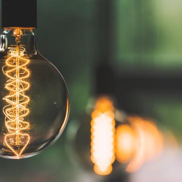 Zdražování cen plynu a elektřiny hýbe českou energetikou, dopady lze zmírnit